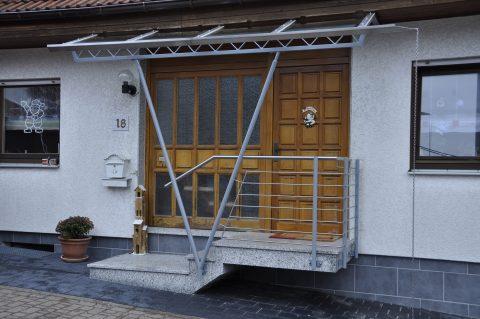 Überdachung Eingangstreppe